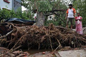 عکس/ خسارت طوفان مهیب در بنگلادش