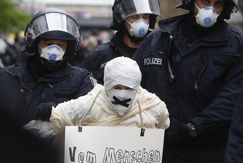 كرونا،ويروس،پليس،معترضان،برلين