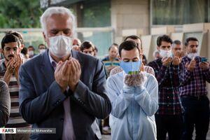عکس/ اقامه نماز عید فطر در دانشگاه تهران