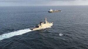 عکس/ اسکورت نفتکش ایرانی توسط نیروی دریایی ونزوئلا