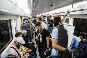 عکس/ میزان رعایت پروتکل های بهداشتی در مترو