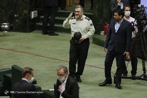 عکس/ رئیس پلیس در صحن مجلس