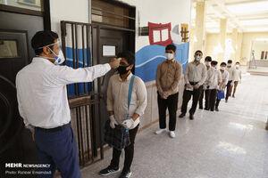 عکس/ برگزاری امتحانات مدارس با رعایت پروتکل بهداشتی