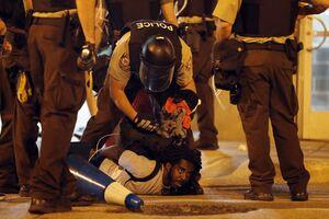 عفو بینالملل: رفتارهای خشن پلیس آمریکا تهدید جانی هستند