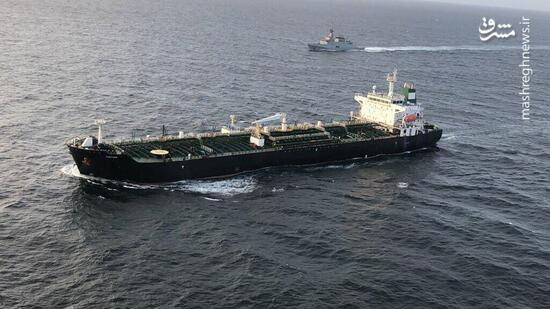 ویدئویی از حرکت همزمان ۵ نفتکش ایرانی