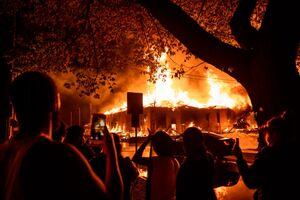 آمریکا در آتش و خون: اغتشاش و هرجومرج مرگبار، مینیاپولیس را به منطقه جنگی تبدیل کرد +تصاویر
