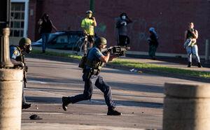 آغاز شلیک مستقیم پلیس آمریکا به معترضان +فیلم