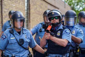 فیلم/ قلع و قمع کردن معترضان به نژادپرستی