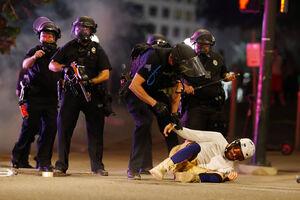 بالا گرفتن آتش خشم معترضین آمریکایی+ عکس