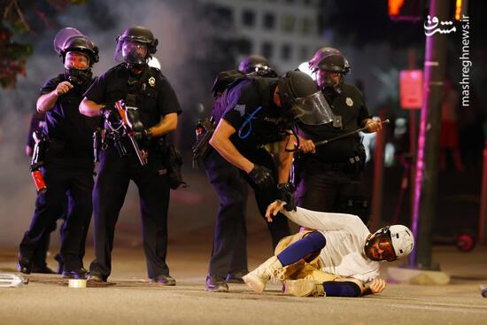 فیلم/  رفتارهای غیرانسانی پلیس آمریکا با سیاه پوستان و متهمان