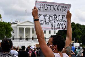 معترضان آمریکایی به کاخ سفید رسیدند