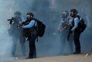 فیلم/ مسلح شدن معترضان آمریکایی به مواد آتشزا