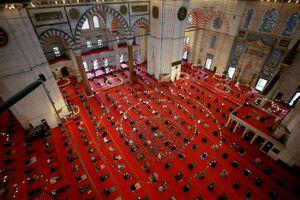 عکس/ برگزاری اولین نماز جمعه در ترکیه
