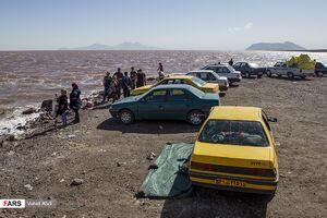 فیلم/ هجوم کرونایی به سواحل دریاچه ارومیه!