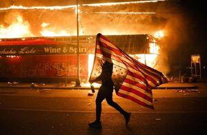 فیلم/ جنایتی که خیابانهای آمریکا را به آتش کشید