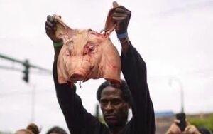 عکس/ وقتی خشم یک سیاهپوست فوران میکند