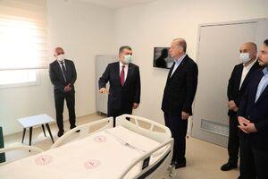 عکس/ بازدید اردوغان از بیمارستان ۱۰۰۸ تختخوابی