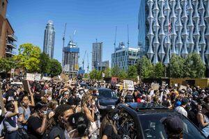 فیلم/ تظاهرات گسترده مقابل سفارت آمریکا در لندن