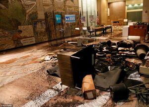 عکس/ حمله به ساختمان اداره کار در واشنگتن