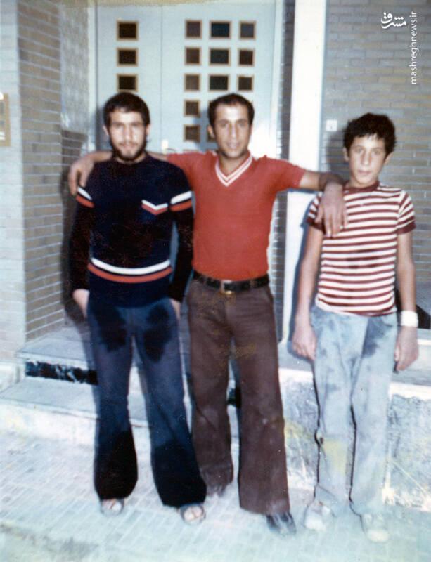 شهید جواد افراسیابی(نفر اول از راست)