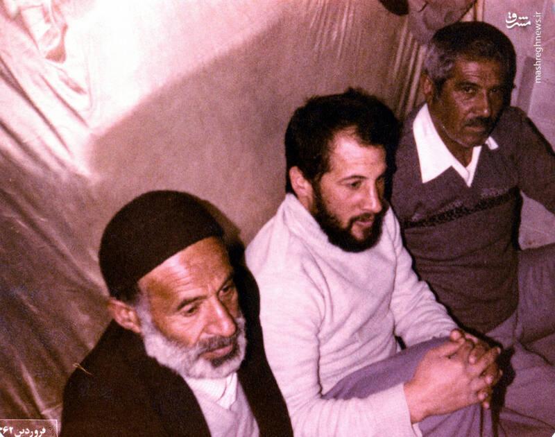 شهید جواد افراسیابی و پدرش(نفر اول از چپ)