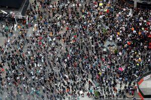 عکس/ میدان تایمز در قرق معترضان