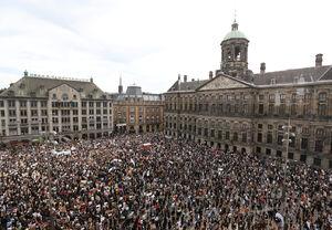 فیلم/ جمعیت انبوه حامیان معترضان آمریکایی در روتردام هلند