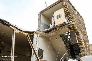 عکس/ جان باختن دو نفر در انفجار ساختمانی در قم
