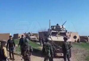 مردم و ارتش سوریه راه کاروان نظامی آمریکا را سد کردند +فیلم