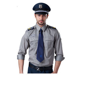 خبرنگاری که فرق پلیس با نگهبان را نمیداند! +عکس