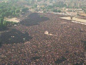عکس/ بزرگترین تشییع جنازه به روایت «گینس»