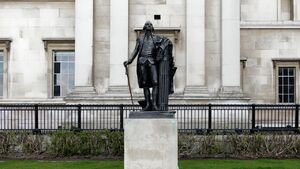 فیلم/ لحظه سرنگونی مجسمه جورج واشنگتن