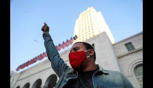 عکس/ لحظاتی از اعتراضات در آمریکا