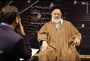 حاج احمدآقا اولین کسی بود که با رهبر انقلاب بیعت کرد و تا آخر پای این بیعت ایستاد/ «حاج قاسم» در جبهه شب از روز نمیشناخت/ دو توصیه رهبر انقلاب به دانشجویان درباره بیانیه گام دوم انقلاب