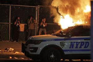 عکاسان در آتش و دود تظاهرات آمریکا