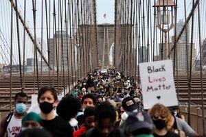 عکس/ پل بروکلین در غرق معترضان