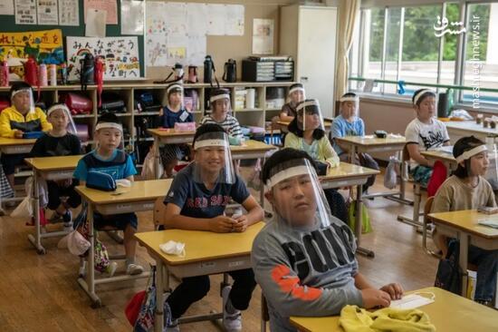 عکس/ دانش آموزان ژاپنی در ایام کرونا