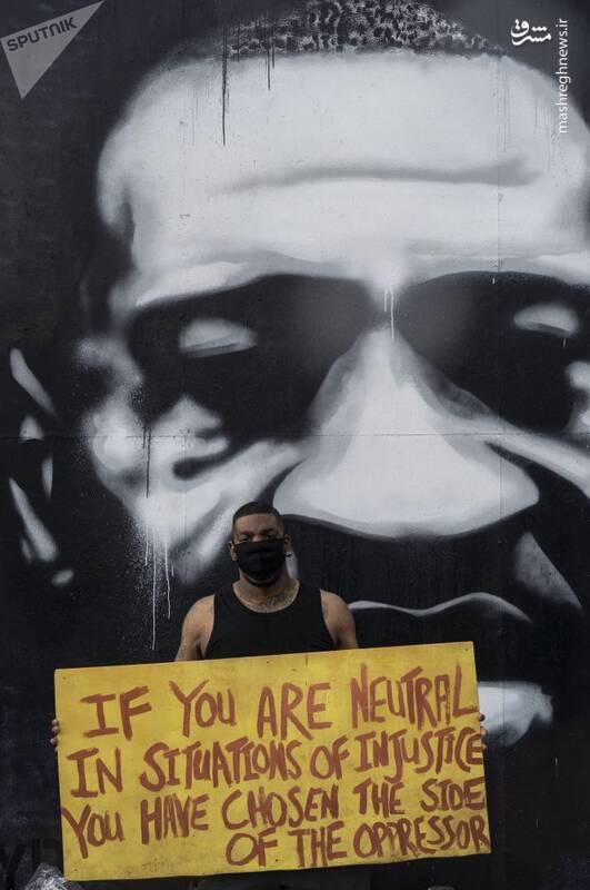 گرافیتی جرج فلوید در محل قتلش در مینیاپولیس