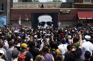 عکس/ نقاشی روی دیوار محل قتل جورج فلوید
