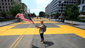 عکس/ تغییر نام خیابان کاخ سفید توسط معترضان
