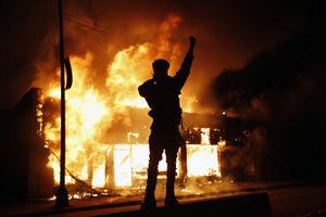 کار آمریکا چگونه به اینجا رسید؟/ تهدیدهای ترامپ و کشیده شدن دامنه اعتراضات تا مقابل درهای کاخ سفید +عکس و فیلم