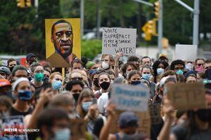 فیلم/ تظاهرات ضد نژادپرستی مقابل دانشگاه آکسفورد