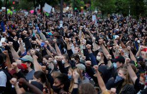 فیلم/ پلاکارد فارسی در اعتراضات آمریکا !