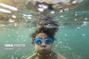 عکس/ شنا در وضعیت قرمز