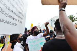 فیلم/ جمعیت انبوه معترضان ضد نژادپرستی در هالیوود