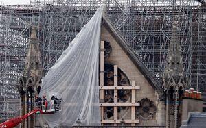 عکس/ آغاز بازسازی کلیسای نوتردام فرانسه