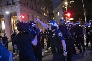 خبرنگاران؛ قربانیانی که از پلیس آمریکا کتک میخورند