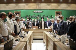 عکس یادگاری رییس قوه قضاییه با عشایر استان فارس