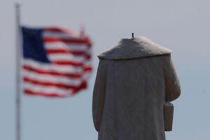 ایستگاه آخر مجسمه ها در آمریکا و اروپا