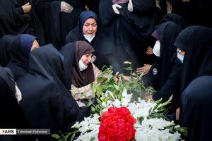 عکس/ تشییع شهیده مدافع سلامت
